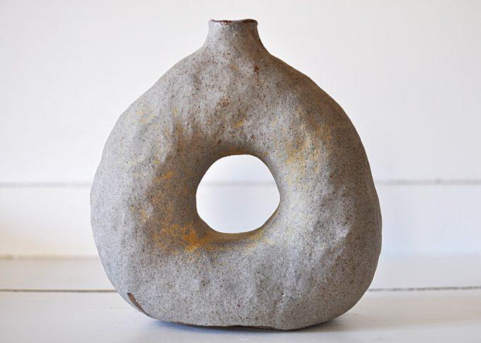 Handgjord stor grå vas | Egenhändigt | Willekulla Lantlig Inredning | framsida