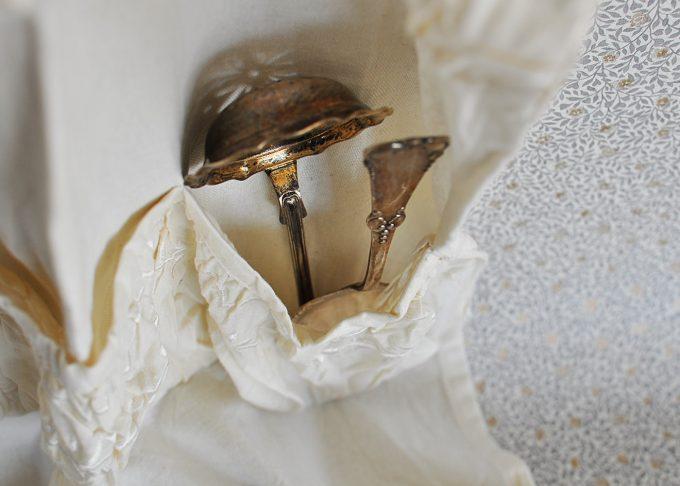 Väggförvaring i tyg med fickor | Jeanne d'Arc Living | Willekulla Lantlig Inredning | insida