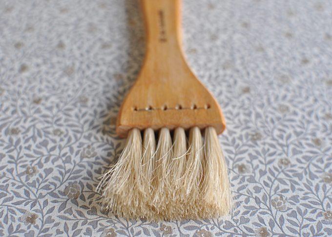Brödpensel av trä och tagel | Iris Hantverk | Willekulla Lantlig Inredning | närbild