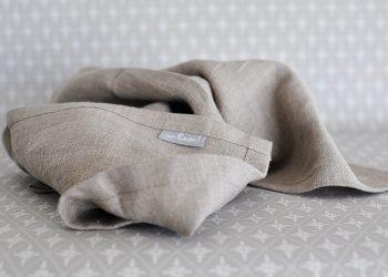 Naturfärgad kökshandduk i linne 70×45 cm | So Linen | Willekulla Lantlig Inredning | närbild