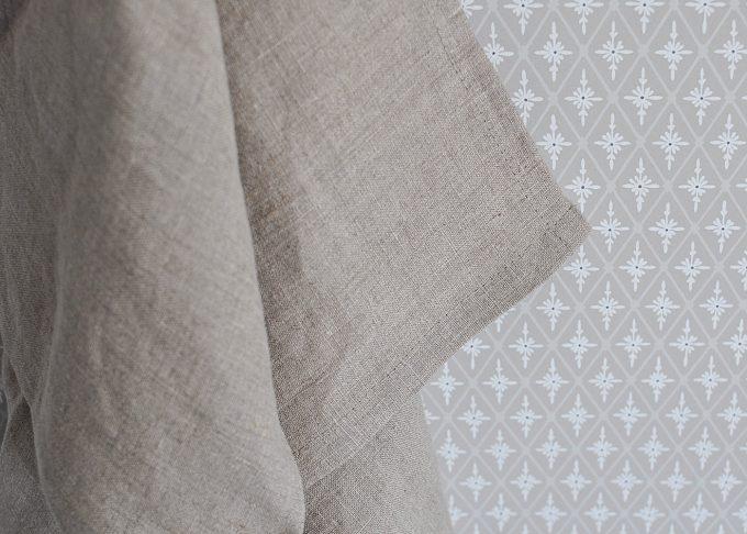 Naturfärgad kökshandduk i linne 70×45 cm   So Linen   Willekulla Lantlig Inredning   hängande