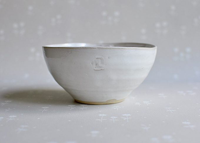 Handgjord vit ljusskål | Petra Lunds Lera | Willekulla Lantlig Inredning | sidan