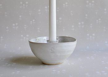 Handgjord vit ljusskål | Petra Lunds Lera | Willekulla Lantlig Inredning | framsida