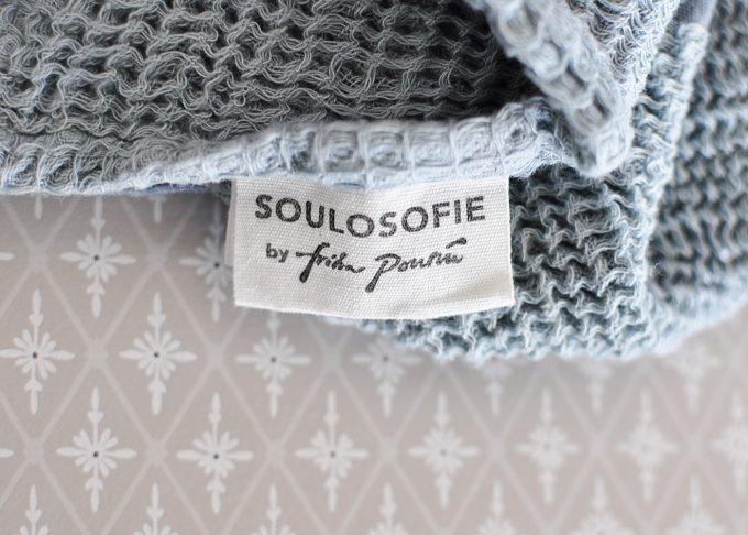 Randig vit och blå handduk | Soulosofie | Willekulla Lantlig Inredning | närbild