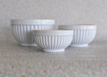 Mynte tre vita skålar i porslin | Ib Laursen | Willekulla Lantlig Inredning | sida