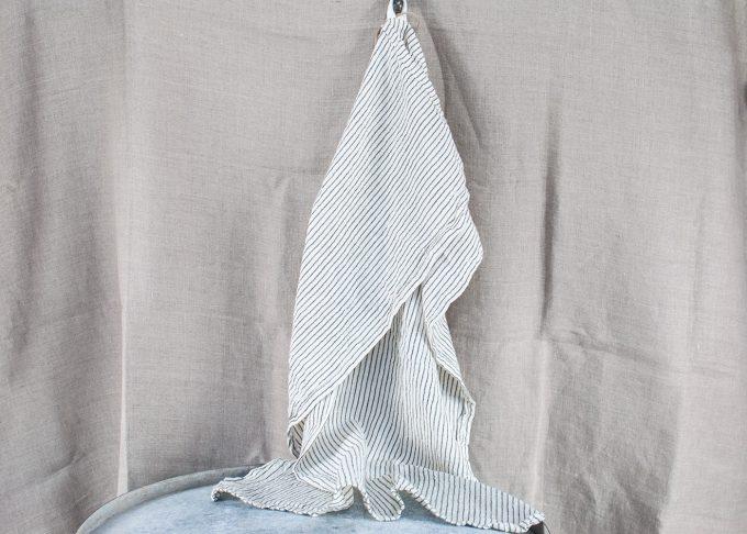 Randig handduk av bomull 50x70cm | Ib Laursen | Willekulla Lantlig Inredning