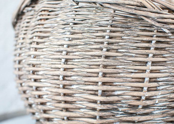 Small Willow Basket with Handle from Ib Laursen - Closeup