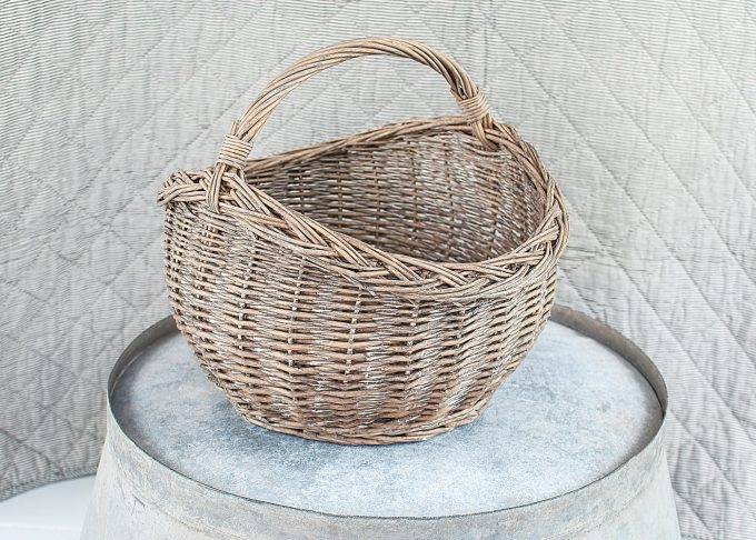 Small Willow Basket with Handle from Ib Laursen - Front