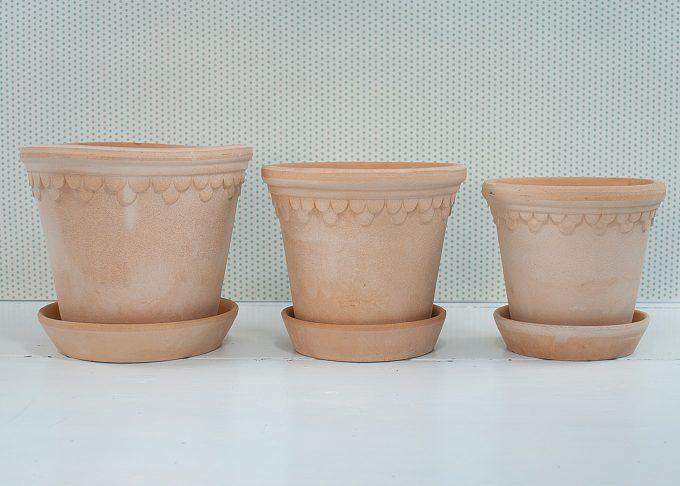 Kopenhagen Handmade Flowerpots Light Color from Bergs Potter - 3 flowerpots
