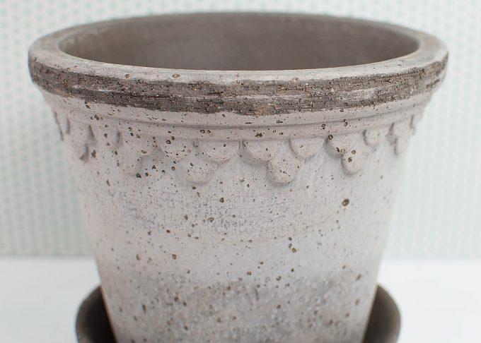 Kopenhagen Handmade Flowerpot Grey Color ⌀ 14 cm from Bergs Potter - Closeup