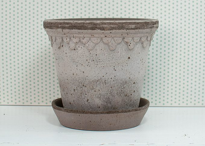 Kopenhagen Handmade Flowerpot Grey Color ⌀ 14 cm from Bergs Potter - Front