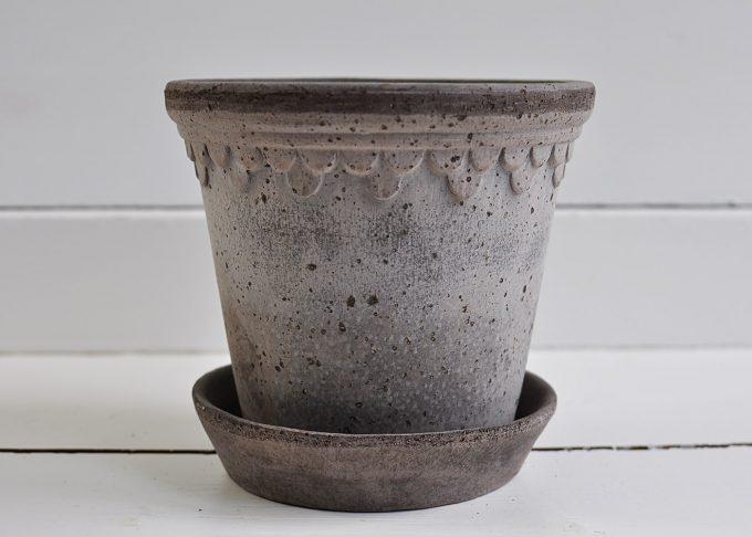 "Handgjord grå kruka ⌀ 14 cm ""Köpenhamn""   Bergs Potter   Willekulla Lantlig Inredning   sida"