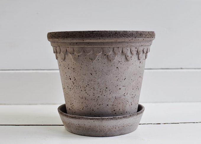 "Handgjord grå kruka ⌀ 16 cm ""Köpenhamn"" | Bergs Potter | Willekulla Lantlig Inredning | sida"