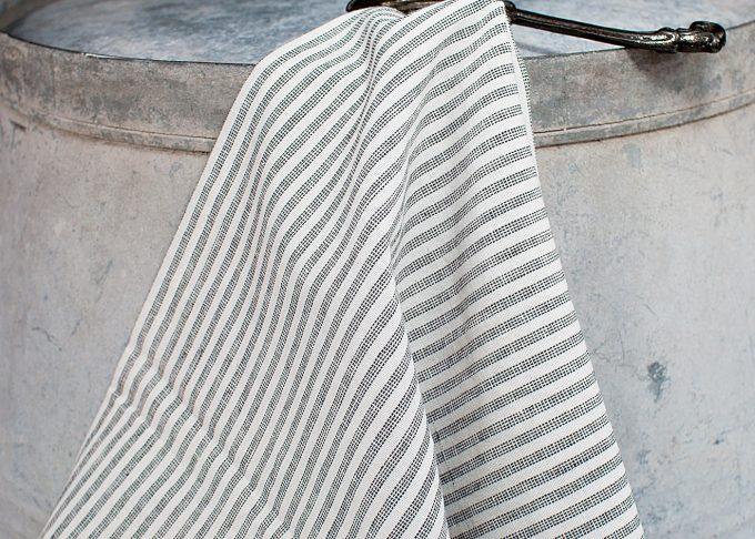 Stor randig hamam handduk | Ib Laursen | Willekulla Lantlig Inredning - hängande