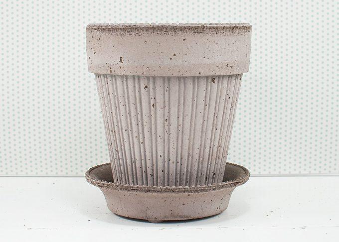 Simona Handgefertigter Blumentopf Grau Farbe ⌀ 16 cm von Bergs Potter - Front