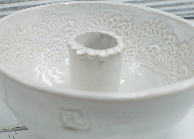 Handgjord vit ljusskål | Petra Lunds Lera | Willekulla Lantlig Inredning - närbild