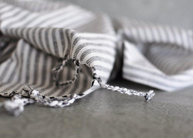 Randig Liten hamam handduk | Ib Laursen | Willekulla Lantlig Inredning | fransar